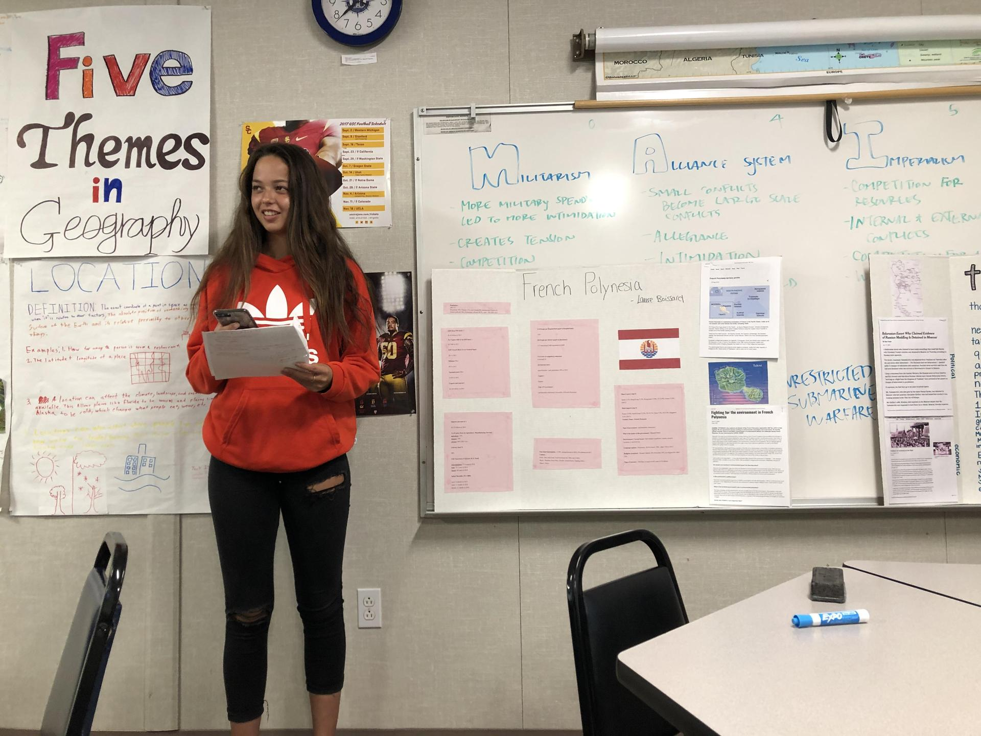 十年级历史系学生作专题报告.