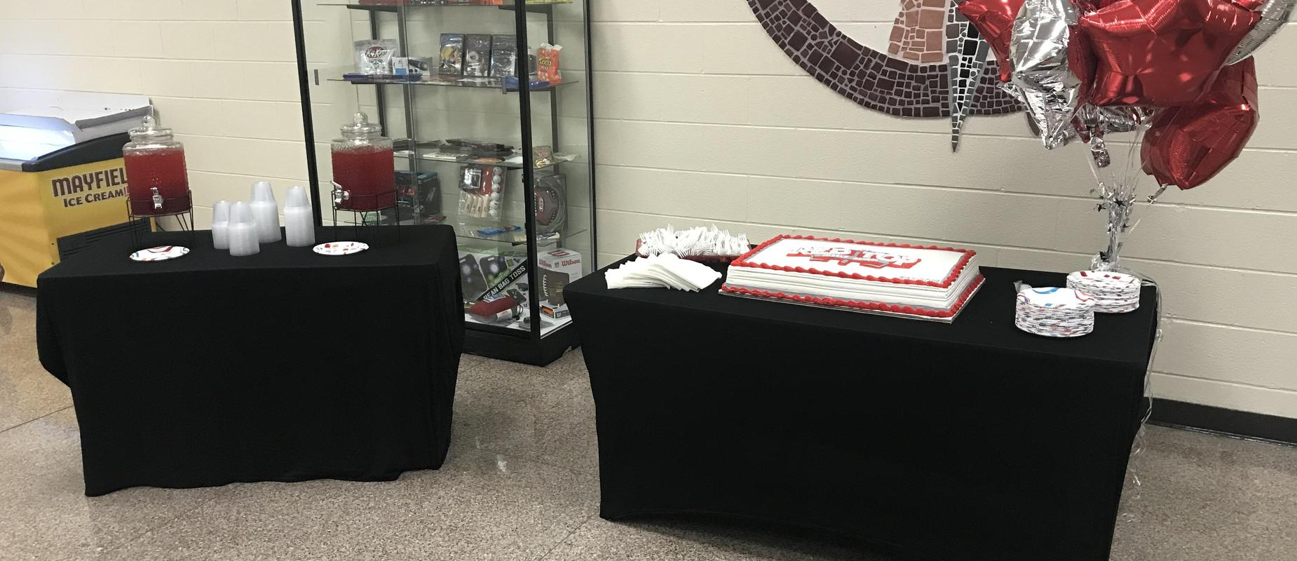 Ribbon Cutting Cake Table