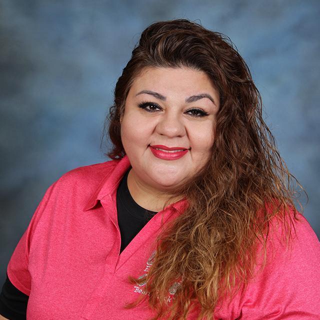 Lucia Salinas's Profile Photo
