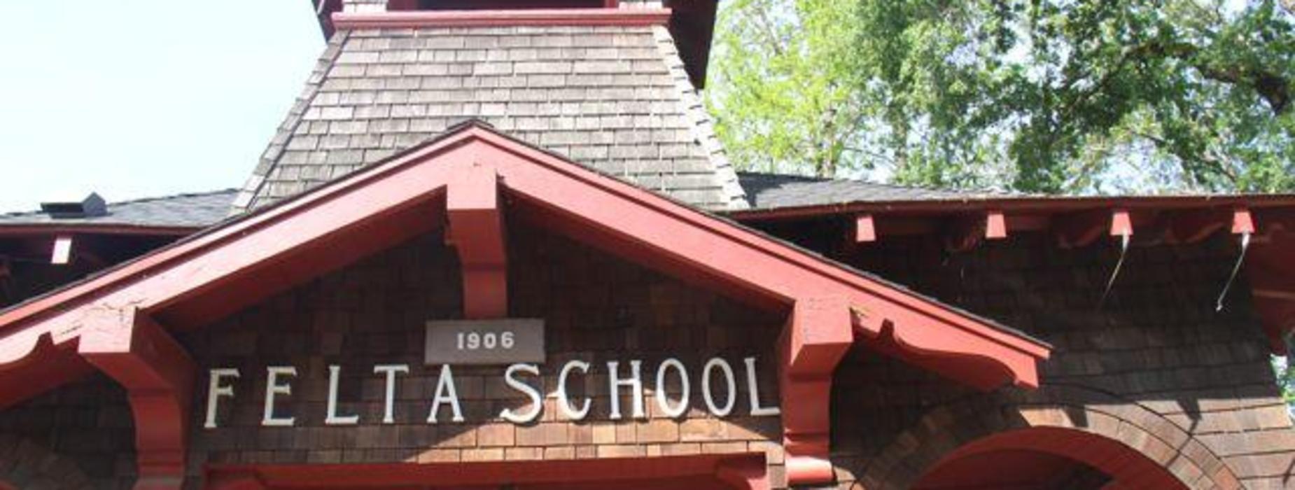 Felta Schoolhouse 1906