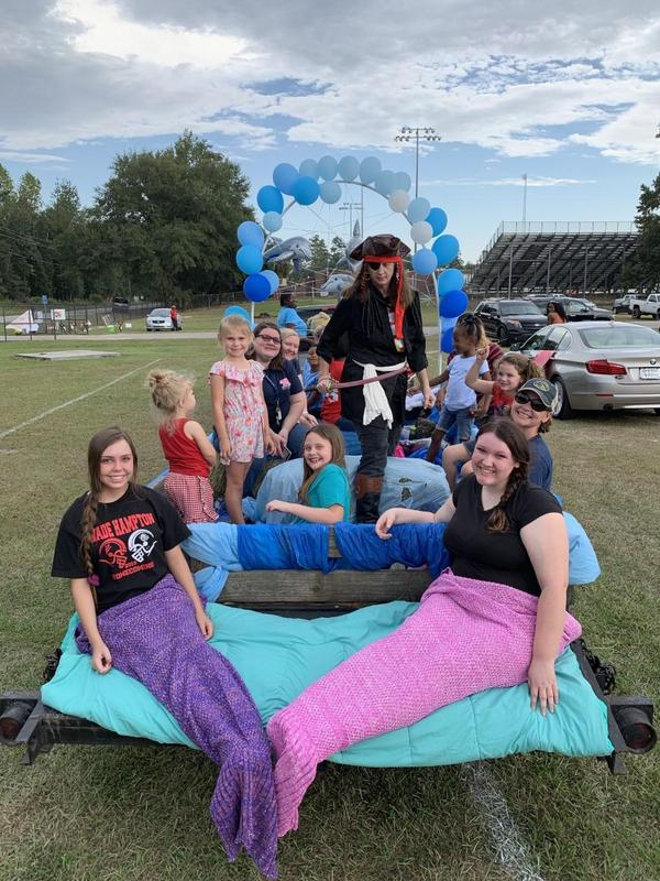 VES float in homecoming parade