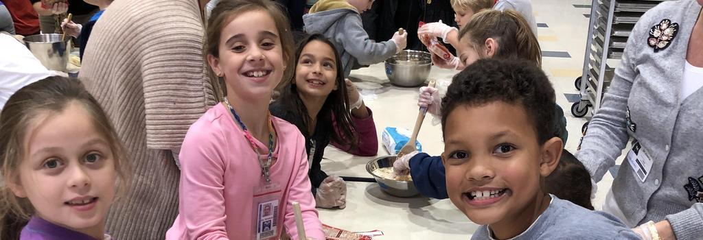 3rd graders making cookies