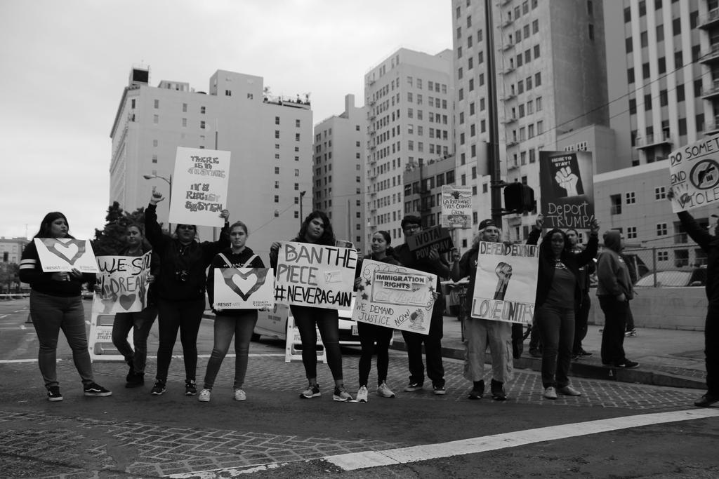 LA CAUSA students protesting