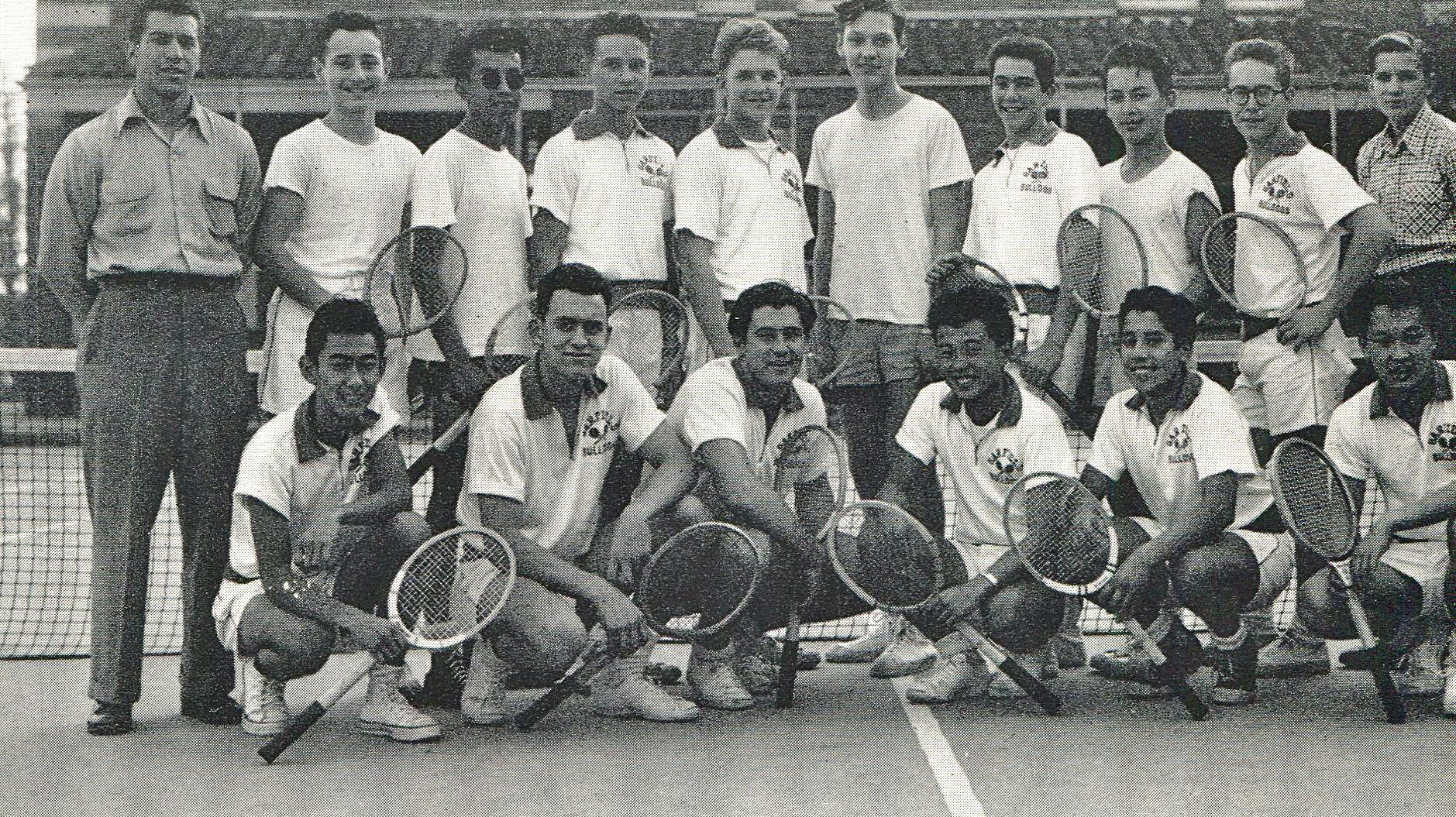 Tennis team 1953, Michael Hiller is standing second from the left
