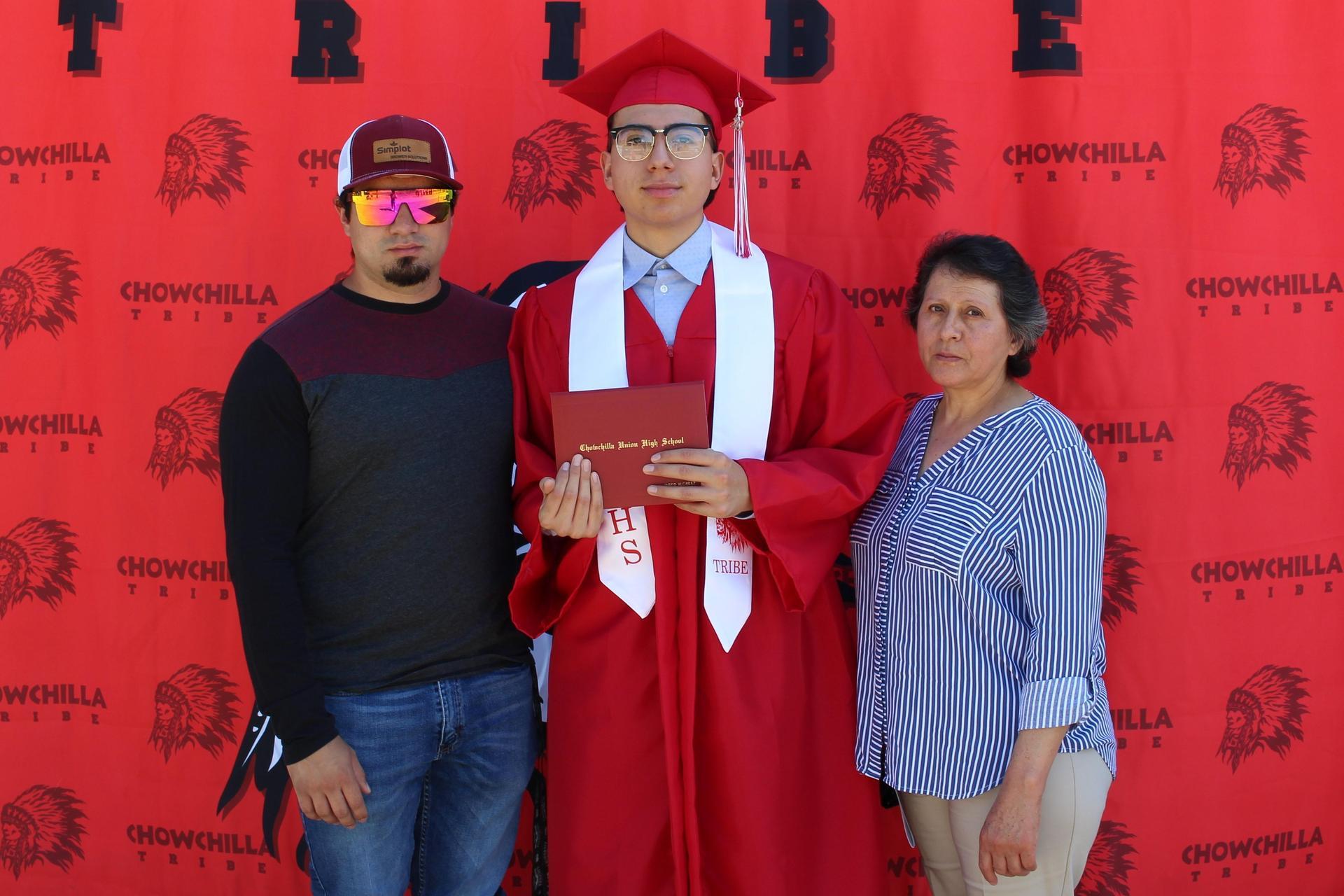 Jared Alcaraz and family