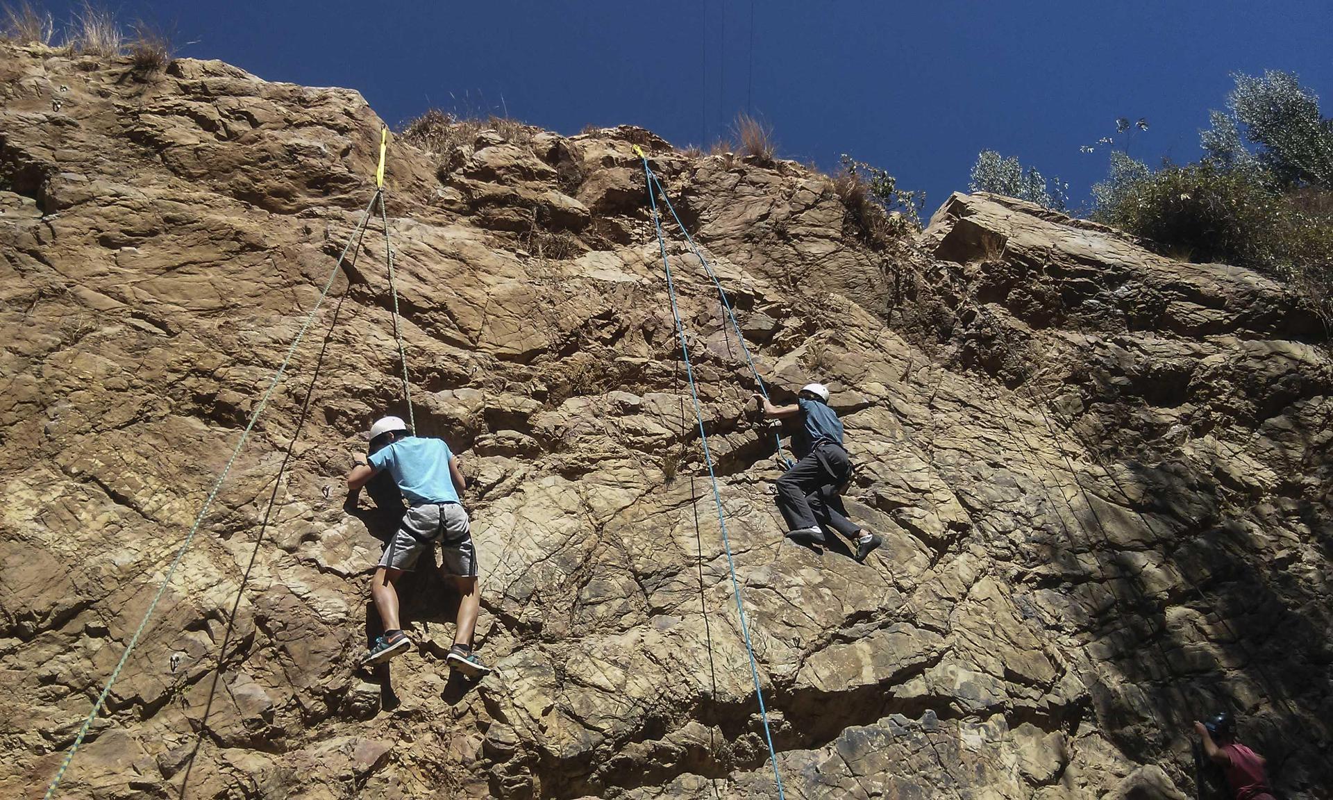 Actividad de escalar cerros
