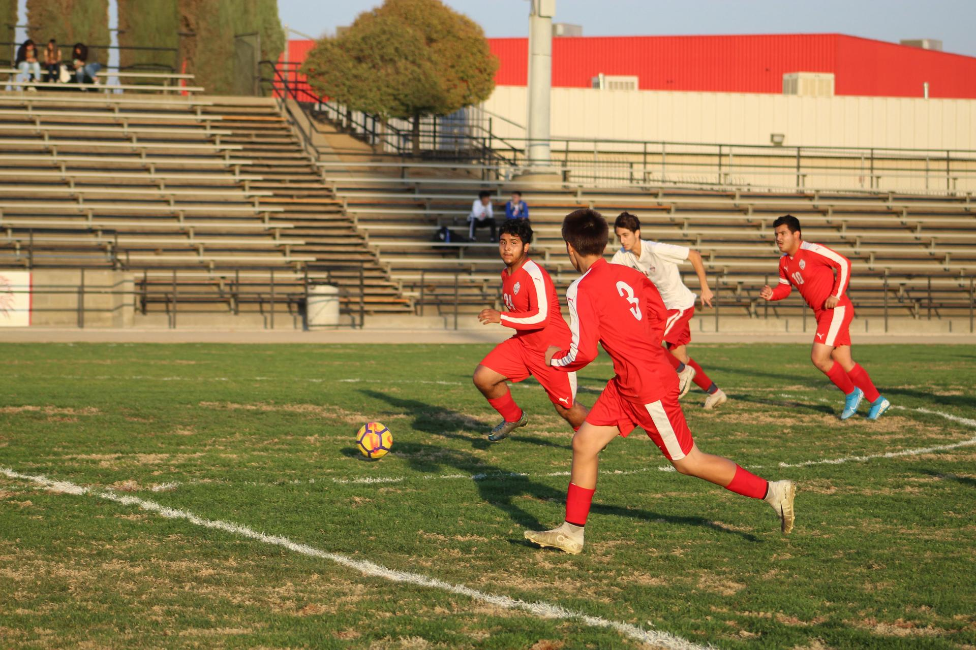David Flores Chavez running with the ball