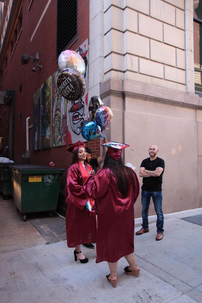 Graduates saying goodbye!