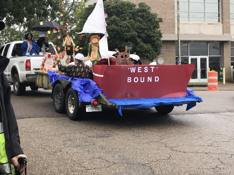 D-LS ISD PARTICIPATES IN DAINGERFIELD DAYS PARADE Thumbnail Image