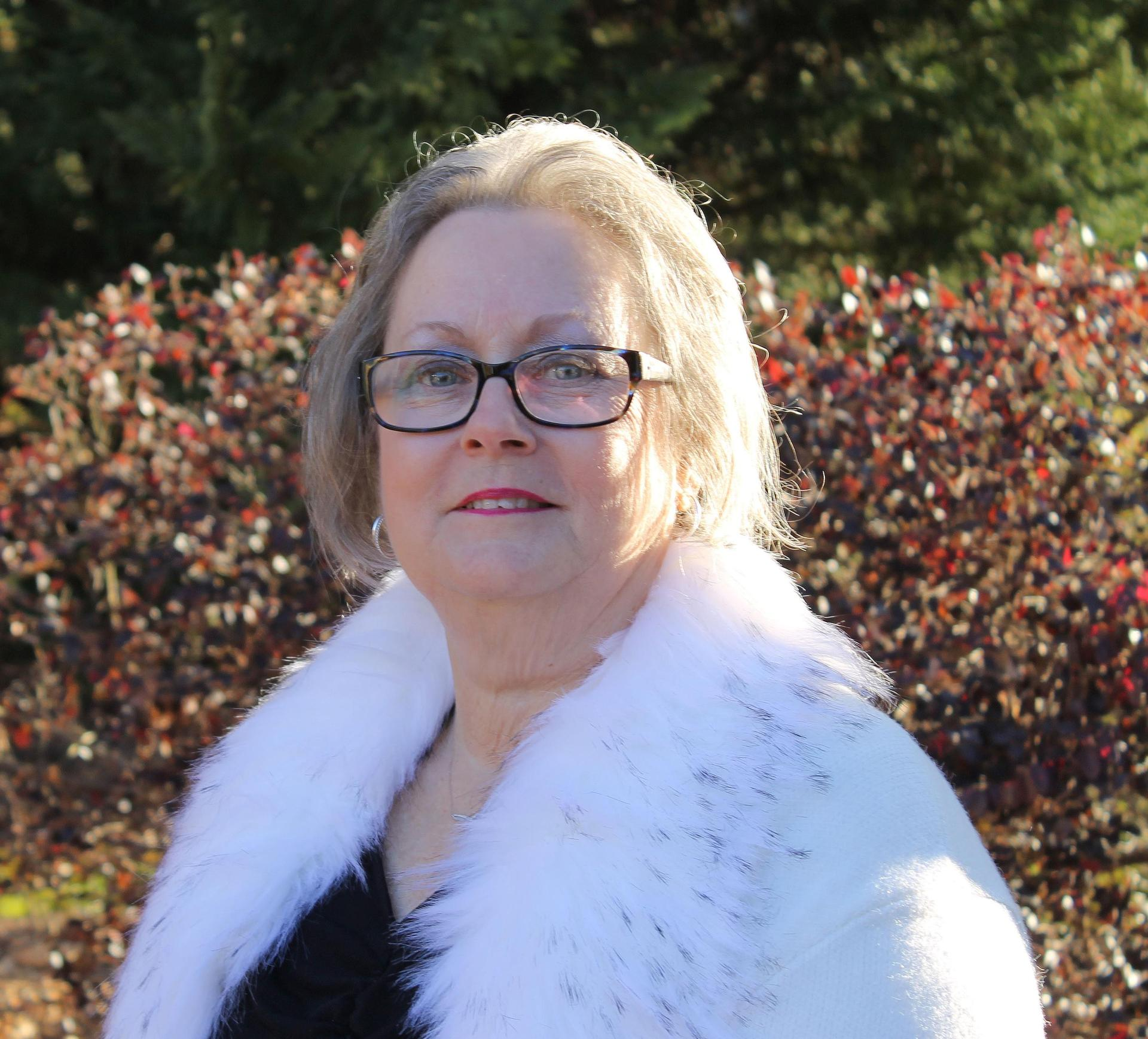 Headshot of Phyllis Sidebottom