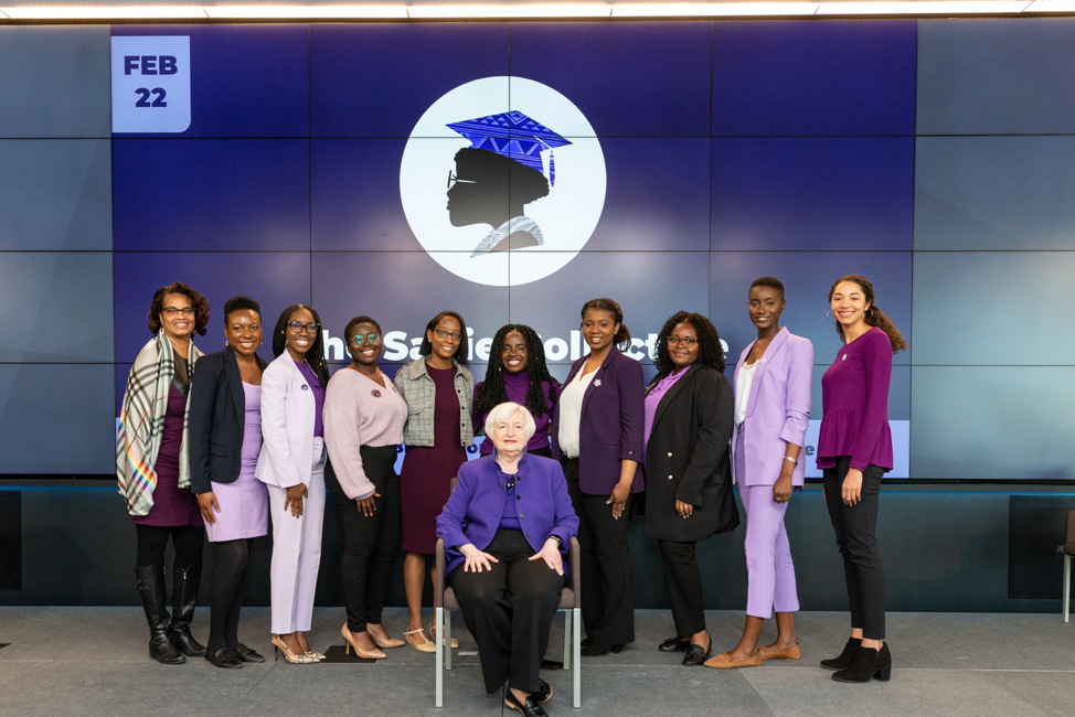 Pictured: Anna Gifty Opoku-Agyeman (center) with the 2019-2020 Sadie Collective Organizing Team and former Chair of the Federal Reserve, Dr. Janet Yellen, at the 2020 Sadie T.M. Alexander Conference for Economics and Related Fields