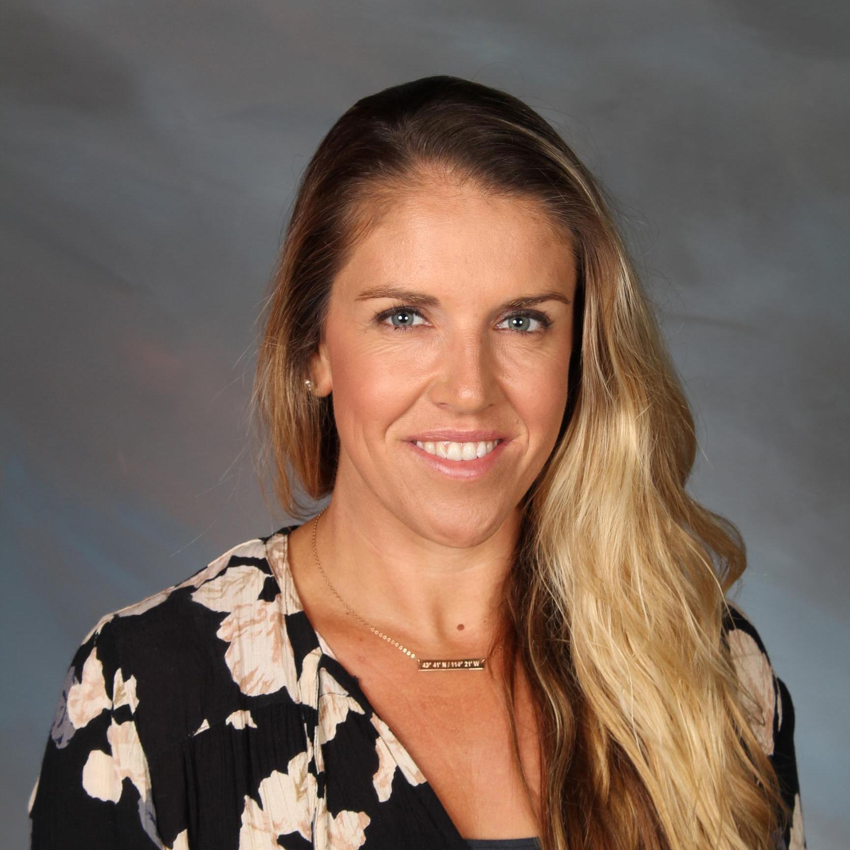 Whitney Pavlik-LeVecke '02's Profile Photo