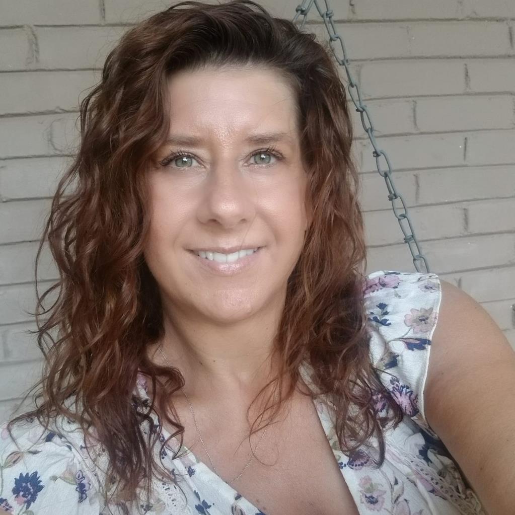 Amy Pintchuck's Profile Photo