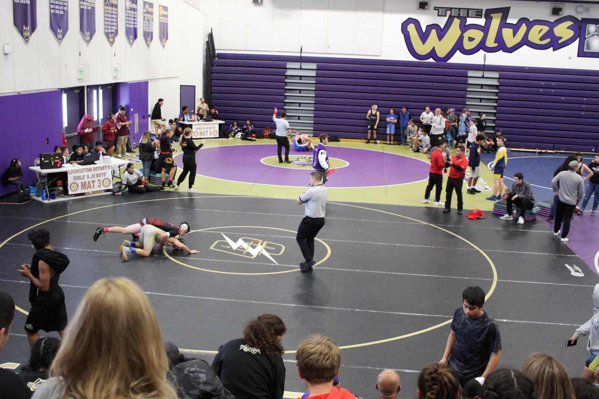 Eathan Contreras wrestling