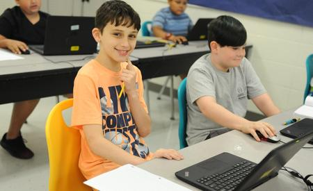 Photo of students working in Computer Lab at GTE