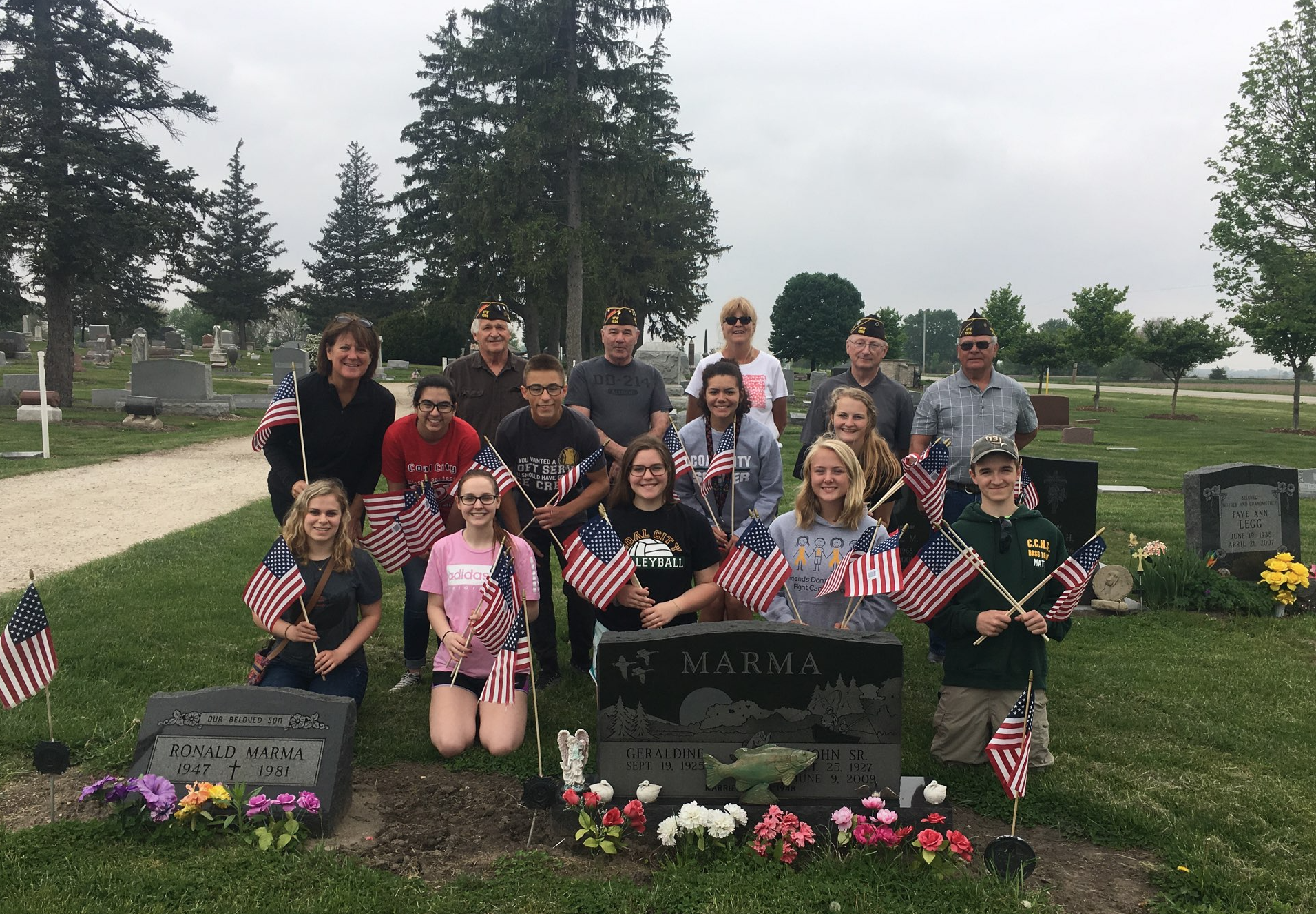 NHS Volunters at Abraham Lincoln Cemetery