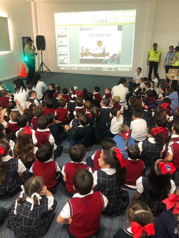 Plática de Educación Vial para los alumnos de Maternal y Preescolar Featured Photo