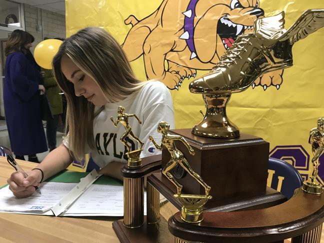 Aniah signing