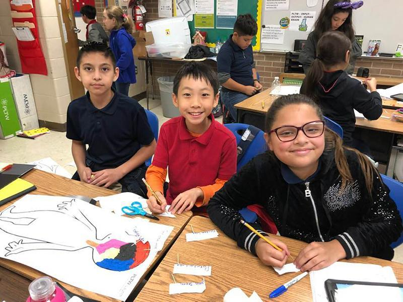 PLTW students at Villareal Elementary