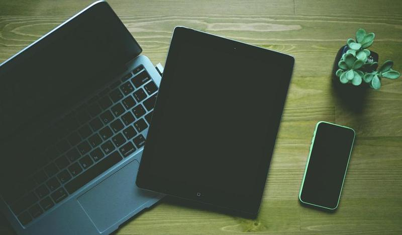 image o chromebook and iPad