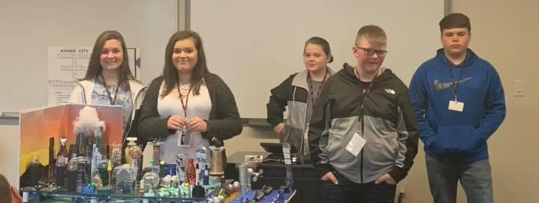 Vonore Middle students present their project to judges