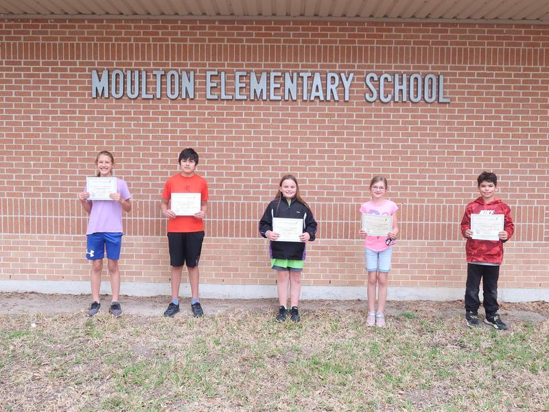 Hallet Oak Gallery Displays Moulton Elementary Art Featured Photo