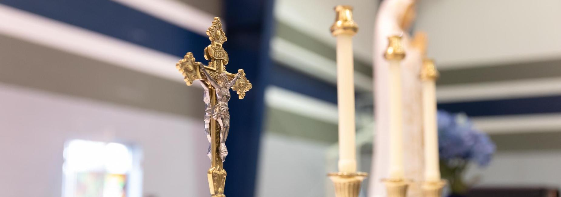 Mass crucifix