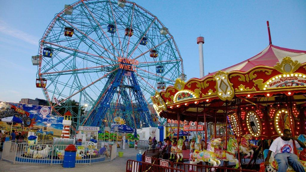 deno's wonder wheel Ferris Wheel and carousel