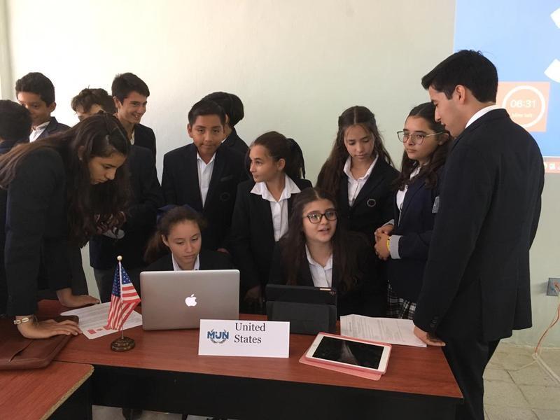 "Aprendiendo en Red: ""MUN Class"" at Instituto Cumbres de Chetumal Featured Photo"