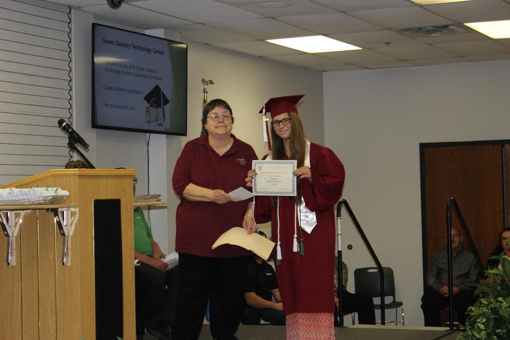 Student receives award