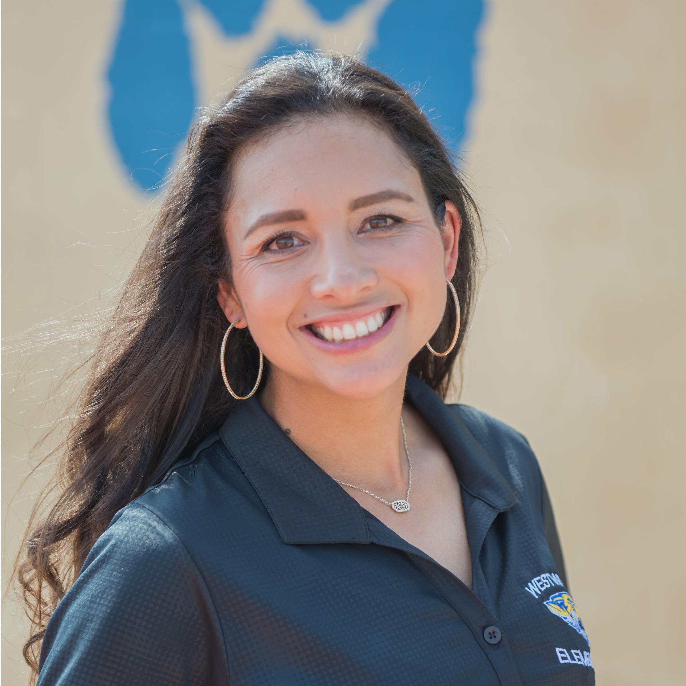 Dionne Hill's Profile Photo