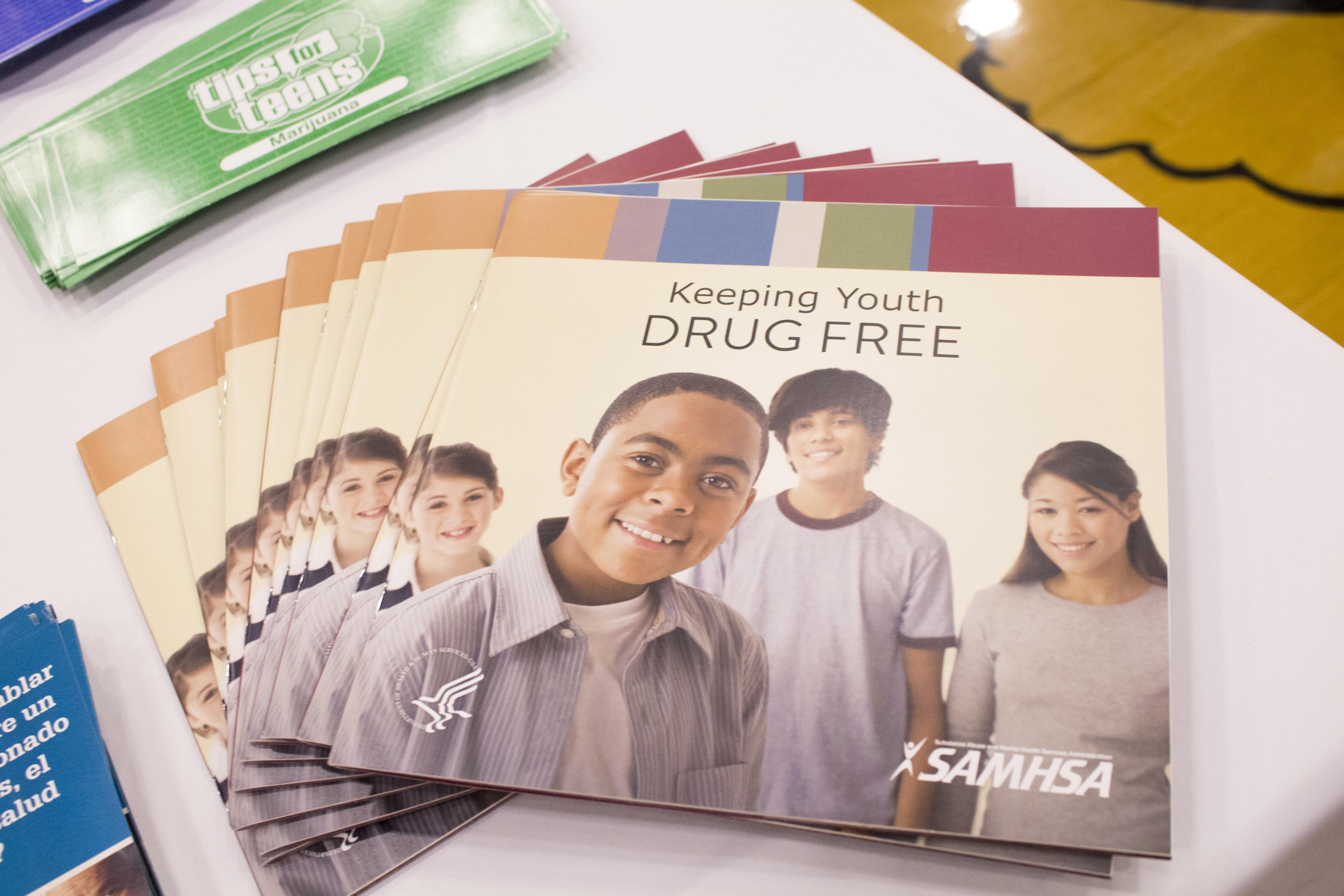 keep youth drug free pamphlet