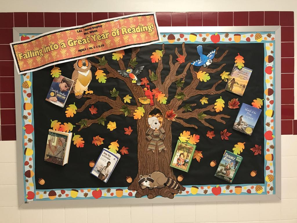 bulletin board display: book reconmmendations