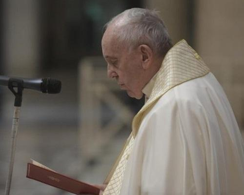 Pope Francis at Urbi et orbi Featured Photo
