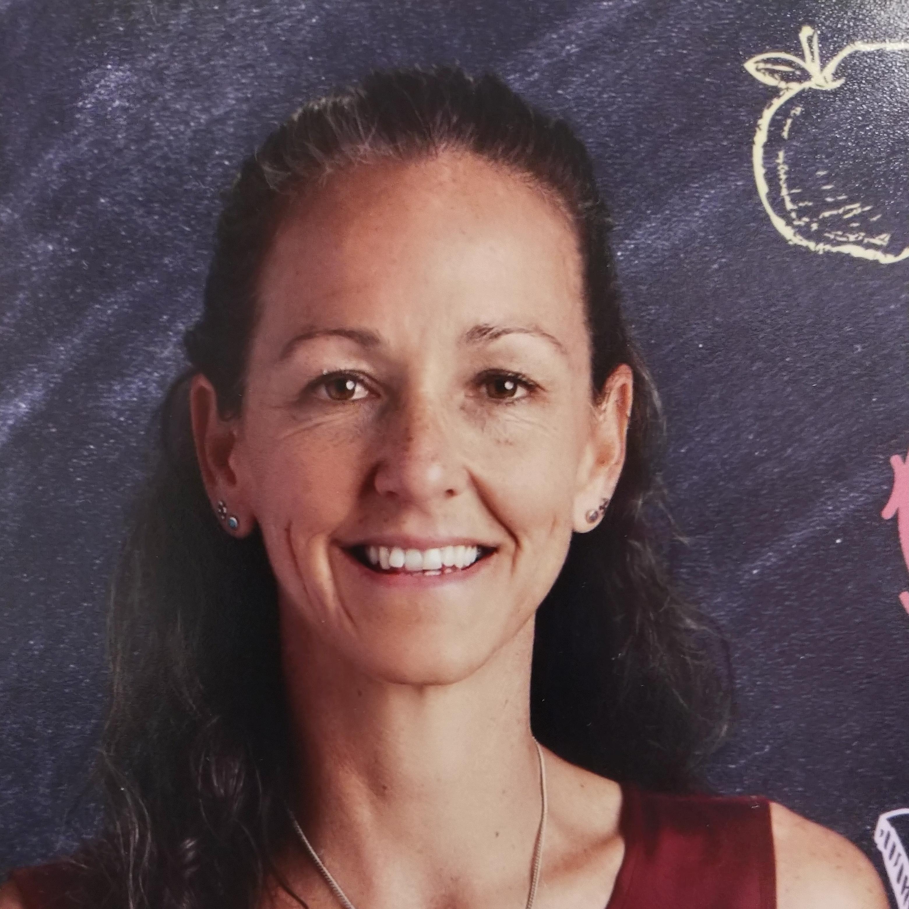 April Carter's Profile Photo