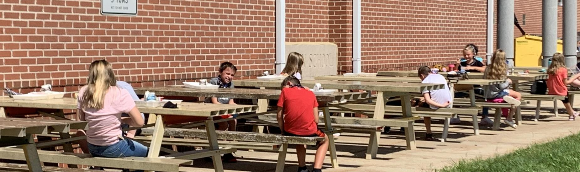 MES Students Enjoying an Outdoor Lunch