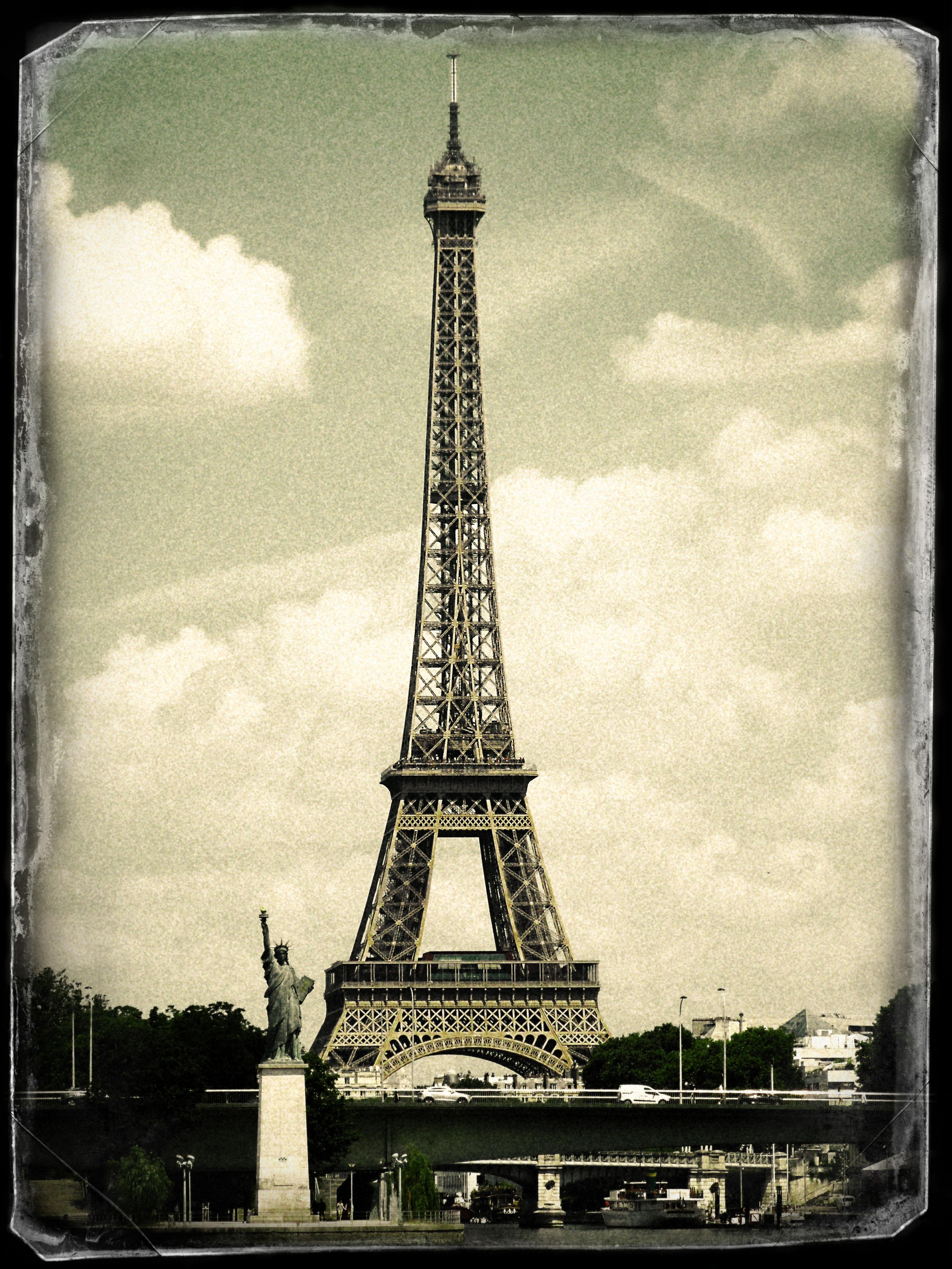 Statue of Liberty and the Eiffel Tower