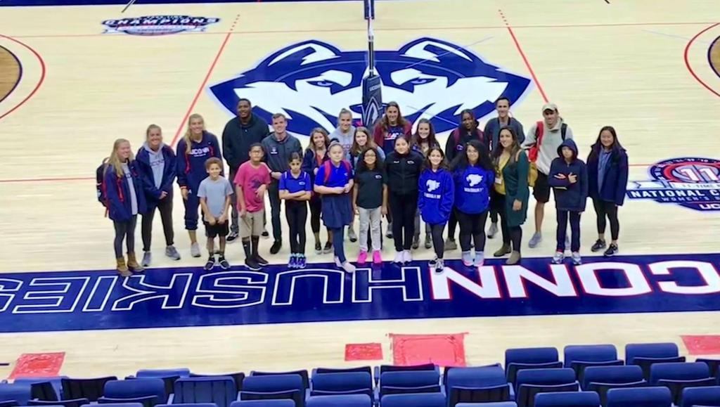 On Wednesday October 30th, Aubrey Norris (Student-Athlete Development Coordinator) and a group of student athletes provided our Windham Middle School on-campus program with a tour of the athletics facilities