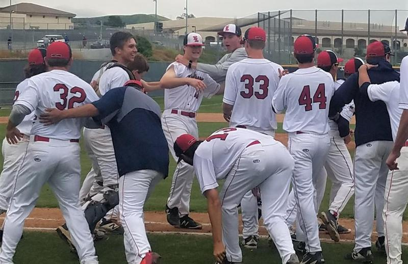 Baseball celebrates quarter final victory