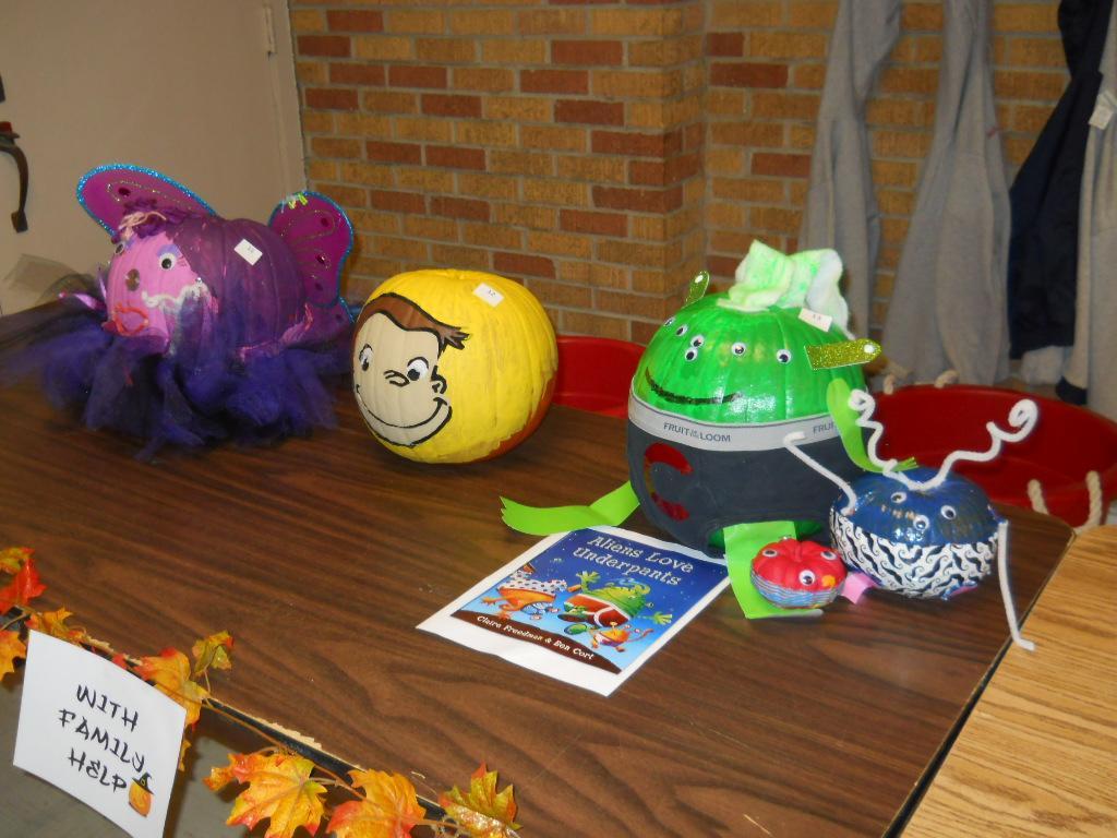 2015 WES Pumpkin Decorating Contestants