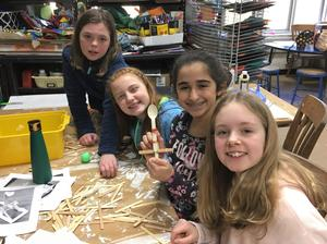 Photo of Jefferson 5th graders enjoying makerspace activities in March 2019.