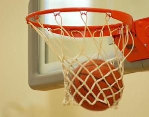 760px-Basketball_through_hoop.jpg