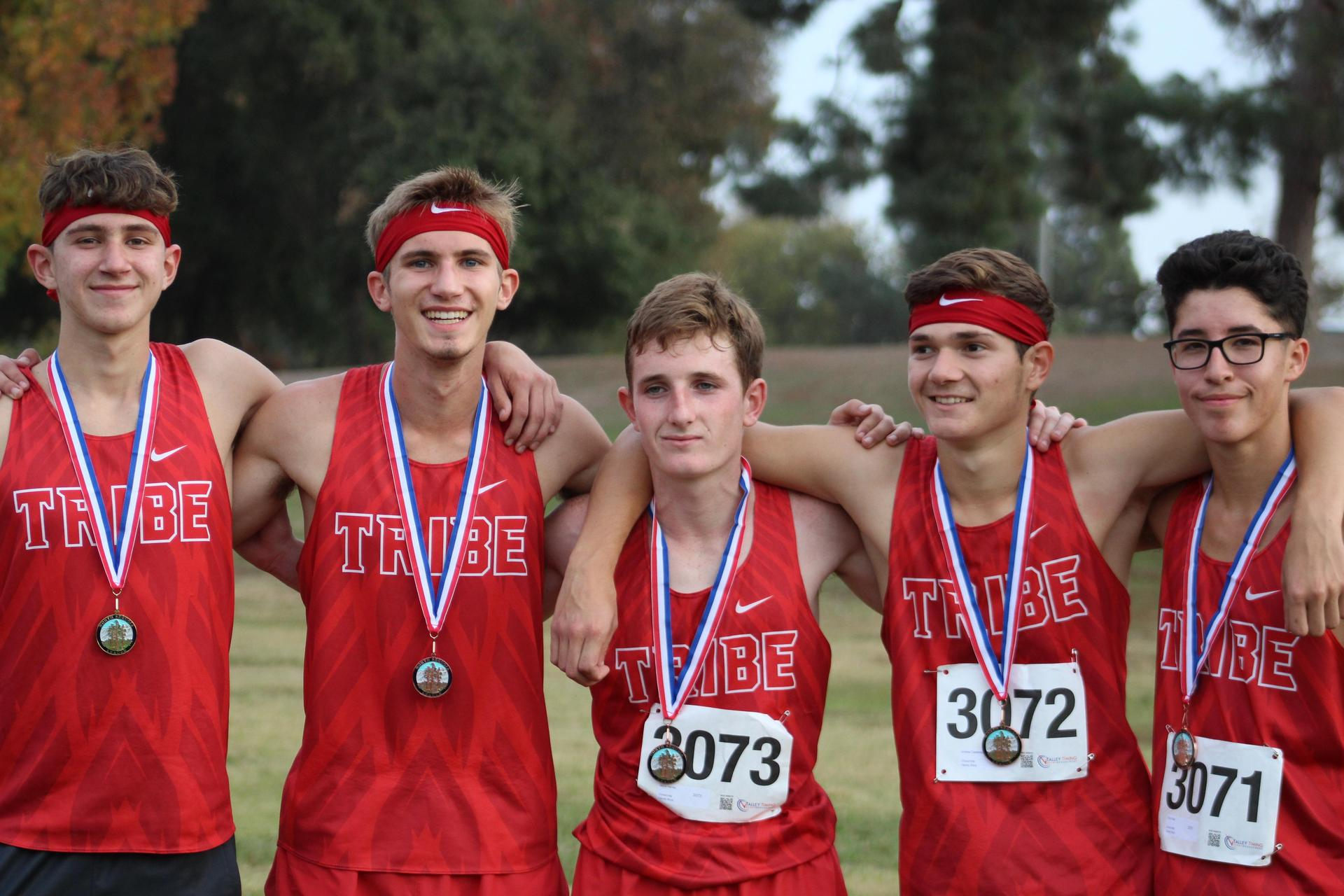 Connor Borba, Micheal Eggert, Andrew Castadenda, Jayce Harvey and Ryan Diaz posing