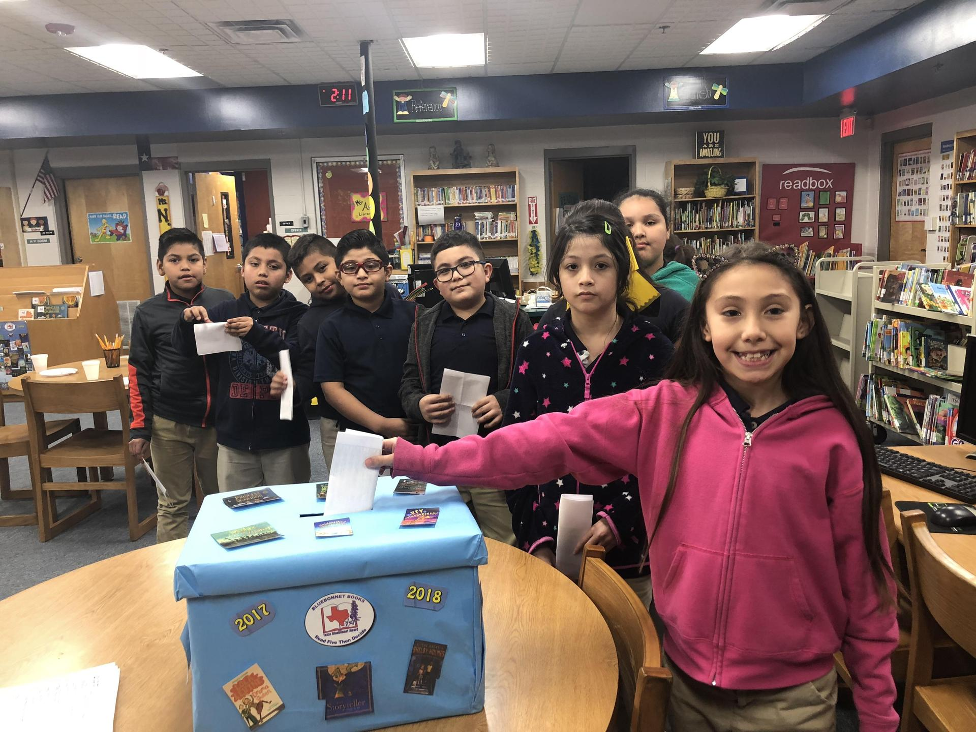 Image of Texas Bluebonnet Books voting day