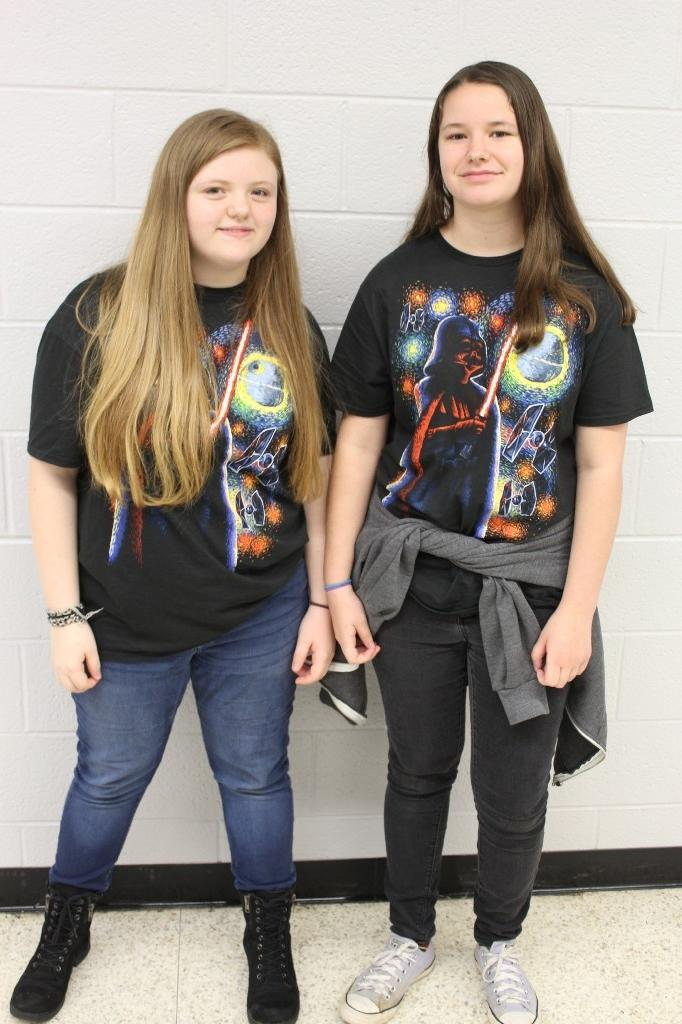 Twin Day: Girls in Star Wars T-shirts