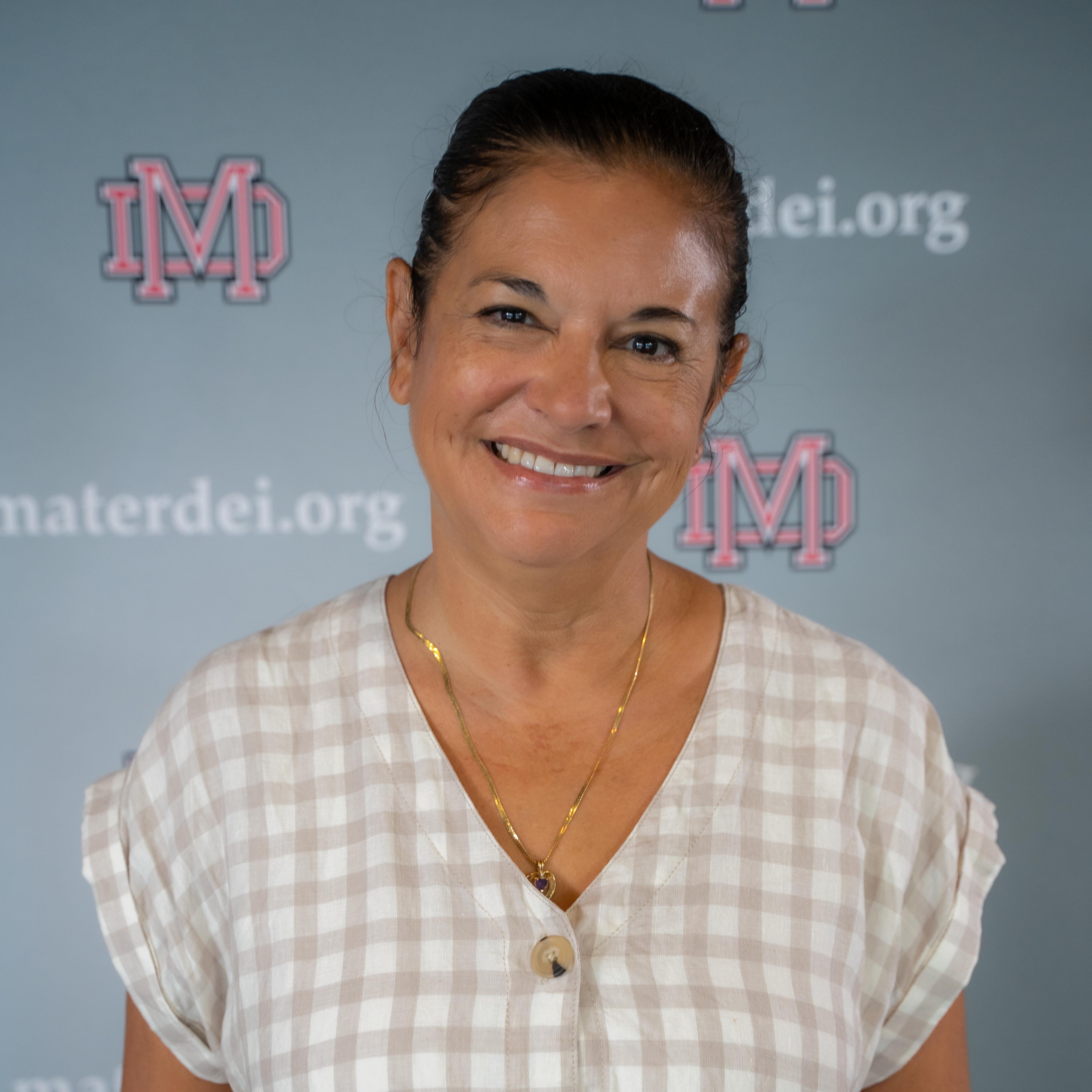 Christine Monge '83's Profile Photo