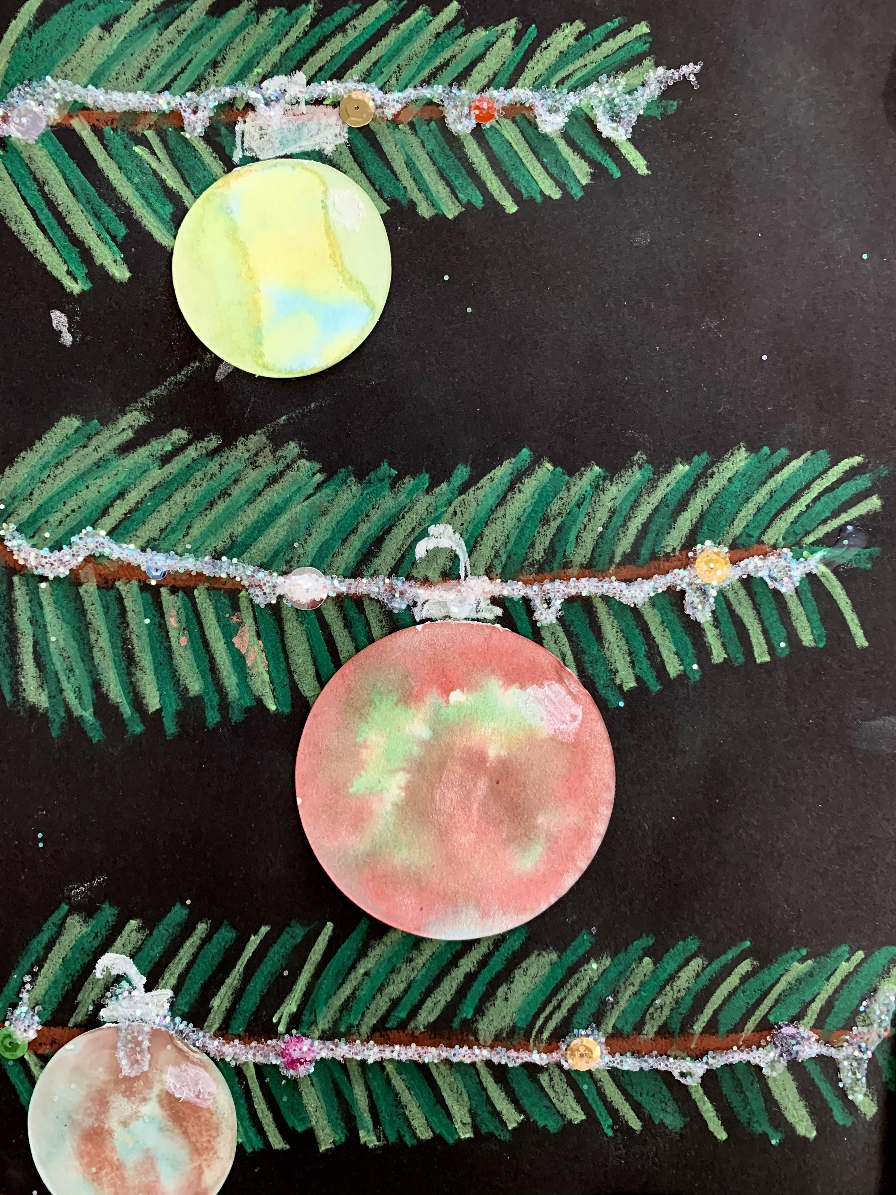 Pine Tree with Ornament 9