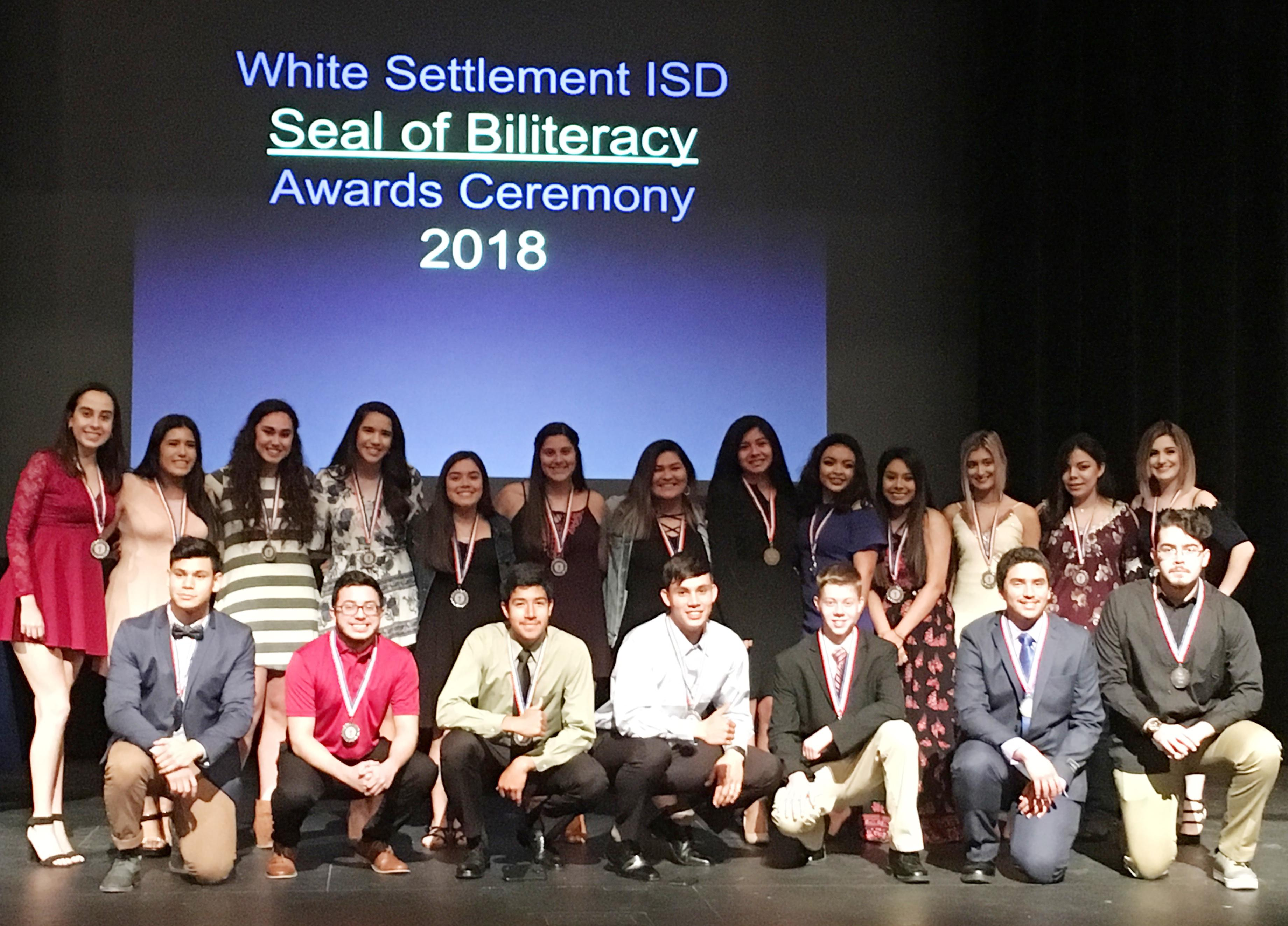 23 Brewer Seniors Earn Seal of Biliteracy Award for Proficiency in Two Languages