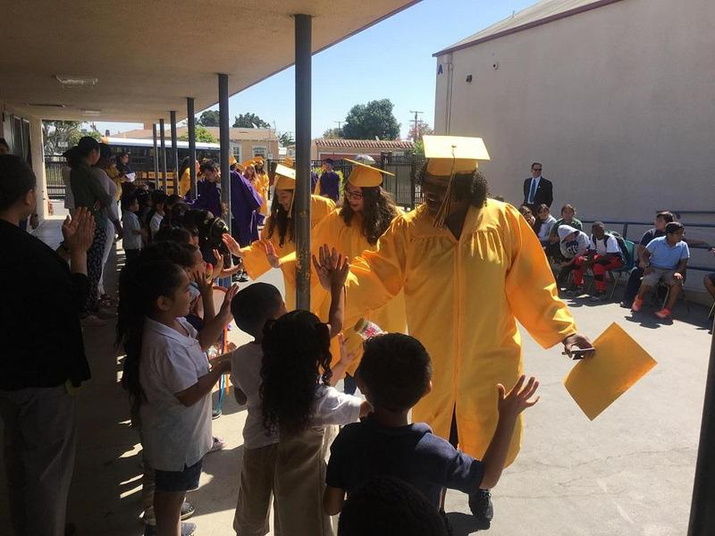 Lynwood Grads Inspire Young Students with Senior Walk Featured Photo