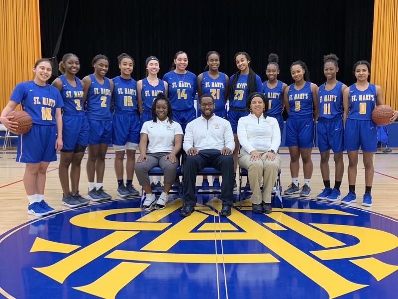 High School girls basketball team photo